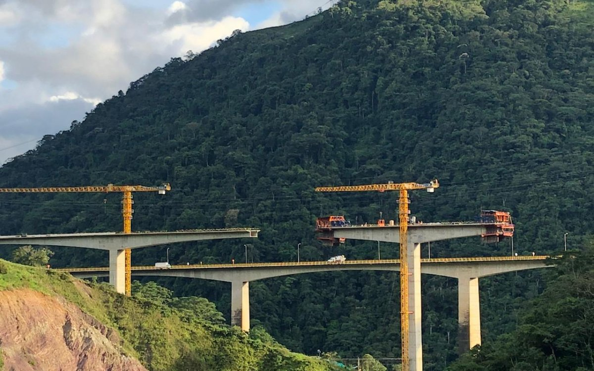 Pipiral Bridge at Bogota-Villavicencio road