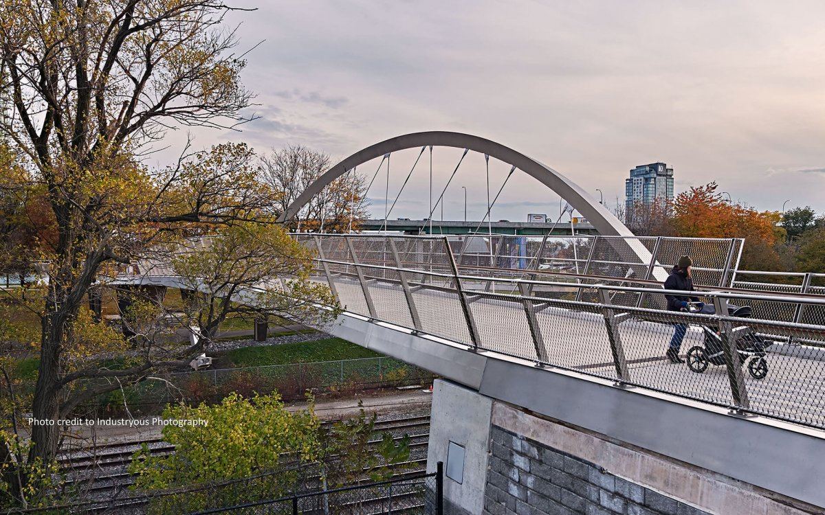 The Garrison Crossing pedestrian and cycling bridge has officially opened